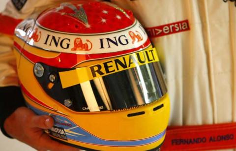 Nuevo casco de Alonso